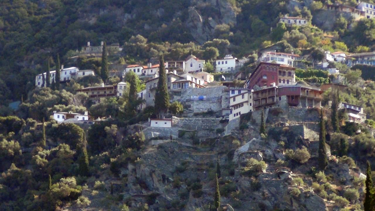 В Кириаконе скита могут остановиться на ночлег и паломники