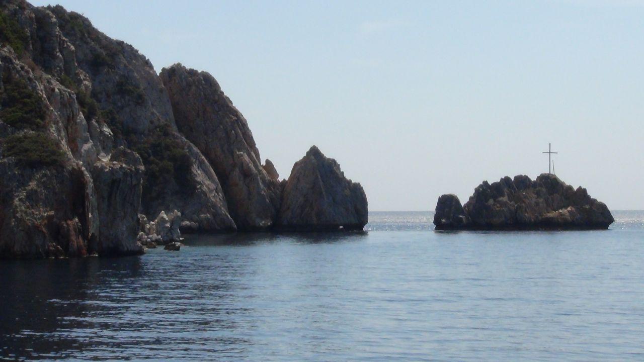 Святая гора Афон. Островок с крестом